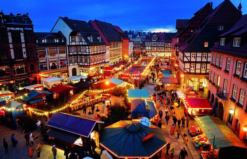 Weihnachtsmarkt in Quedlinburg   BAU11300