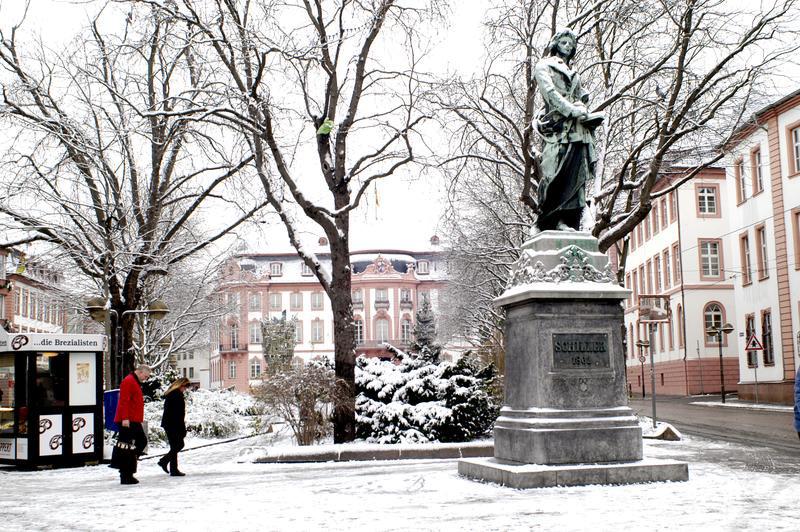 Mainz Winter Schillerdenkmal | MAI12410