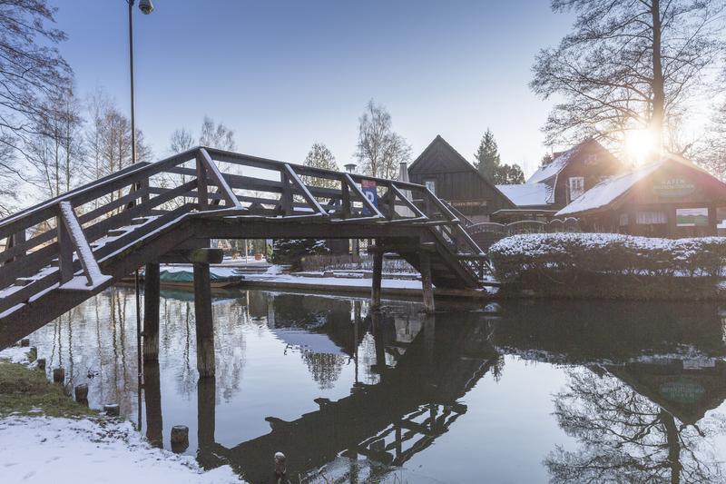 Deutschland Spreewald Kahnfahrt im Winter | COB14110