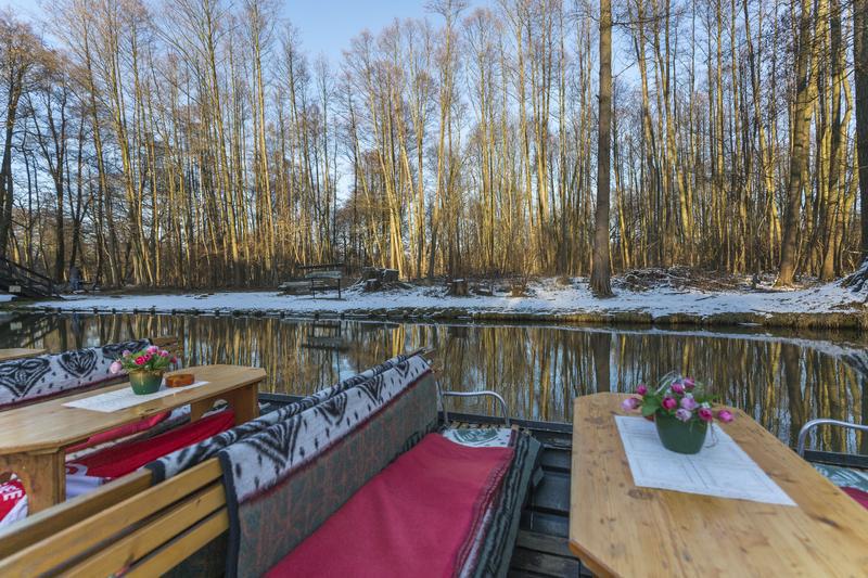 Deutschland Spreewald Kahnfahrt im Winter1 | COB16700