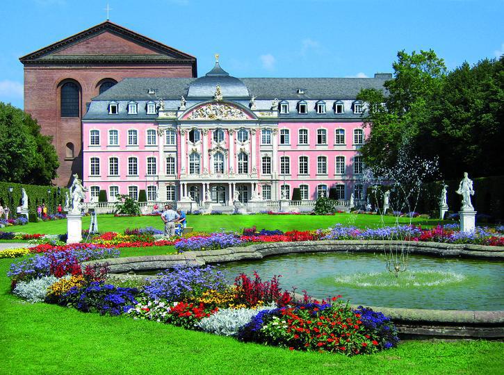 Kurfürstliches Palais | TRI10300